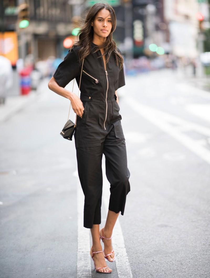 μαύρο jumpsuit