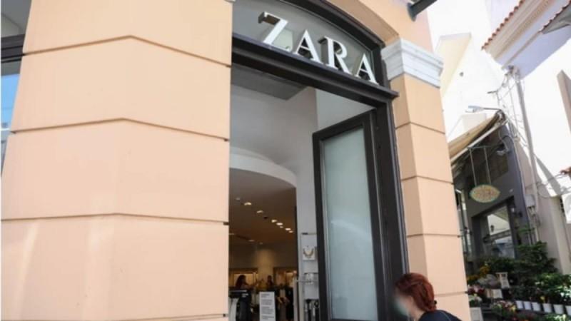 Το black τζιν των Zara με την ιδιαίτερη λεπτομέρεια στα μπατζάκια θα σε