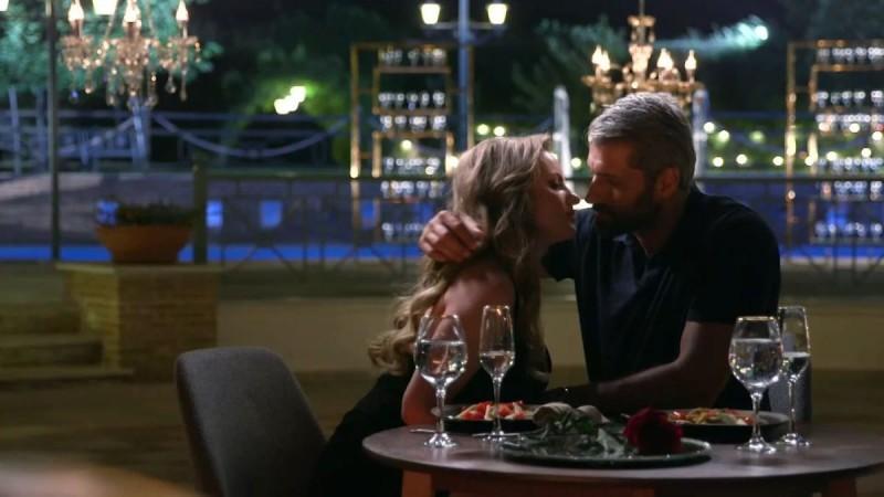 The Bachelor 2: Άβολο! Η χυλόπιτα του Αλέξη στη Φαίη