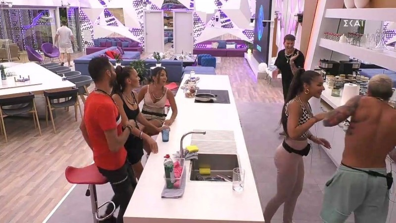 Big Brother 2 - highlights 22/9: Τα φιλάκια Στηβ - Σύλιας και οι τσακωμοί για την λάντζα