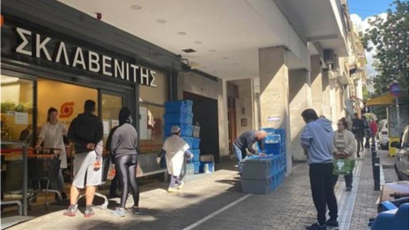 Απόπειρα αυτοκτονίας σε κατάστημα Σκλαβενίτη - Σοκαριστικές φωτογραφίες