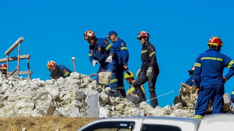 Κρήτη: Θρήνος στην κηδεία του άνδρα που «έφυγε» από τον σεισμό
