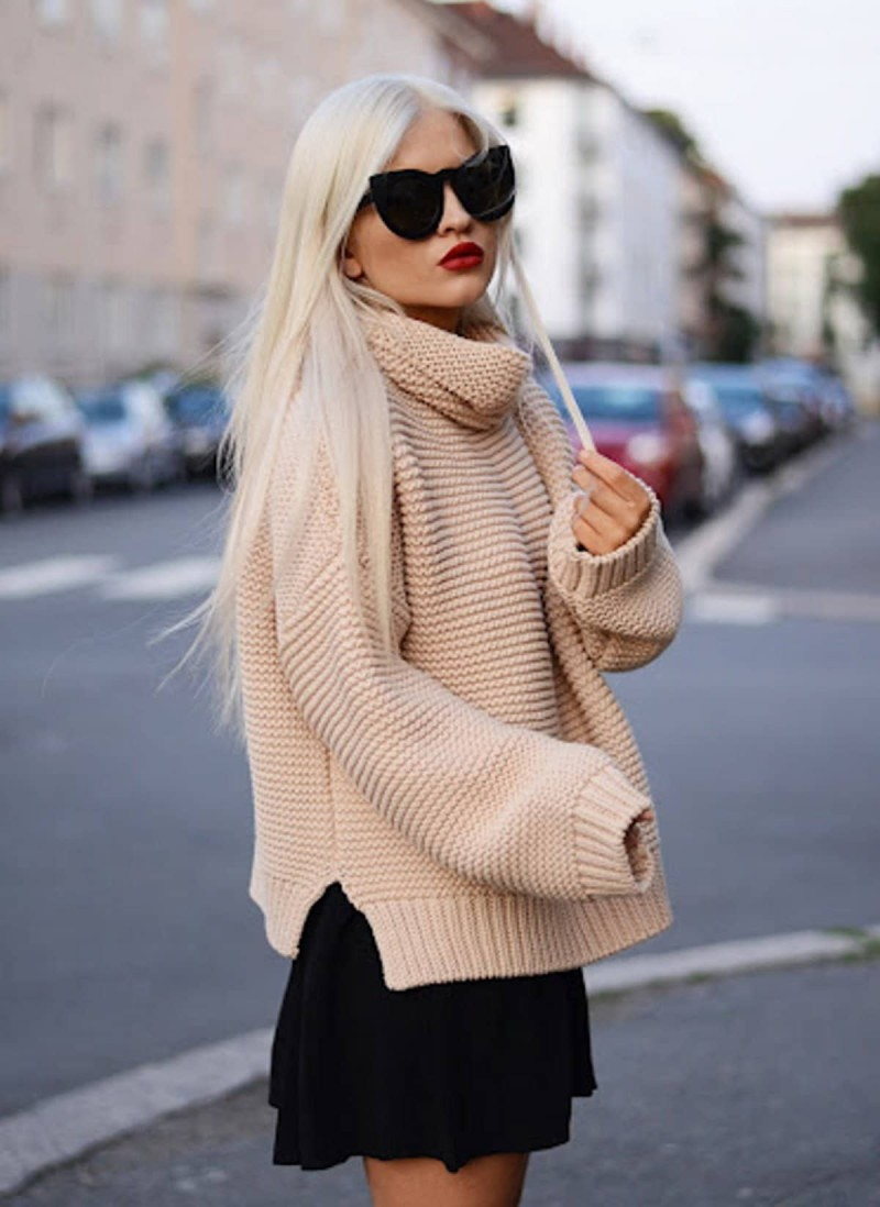 nude knit